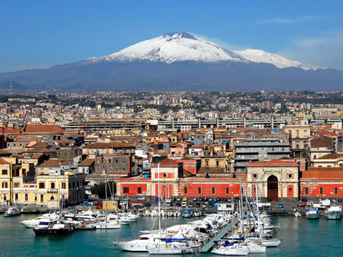 Il porto di Catania